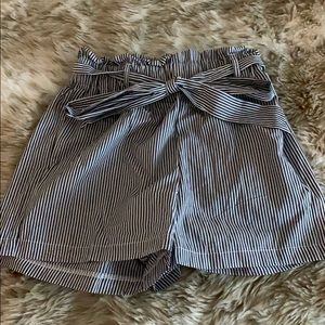 Pants - High waisted shorts brand new